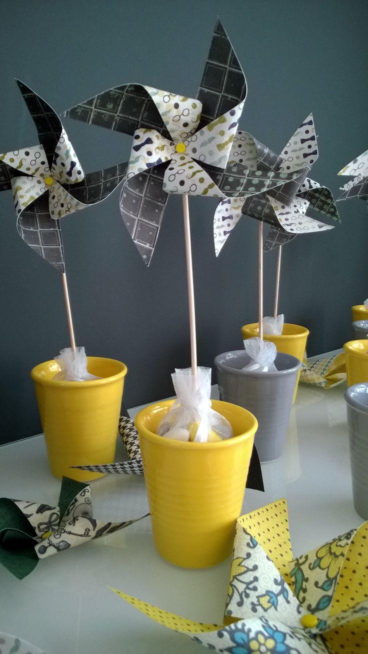 Contenant dragées thème moulin à vent jaune et gris