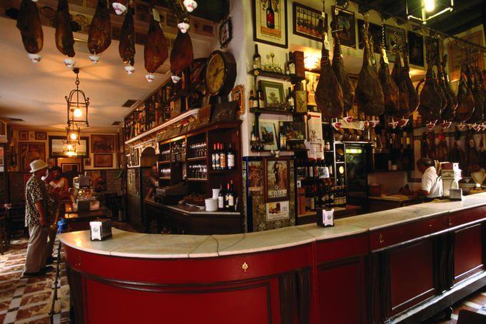 Santa Cruz tapas bar, Seville