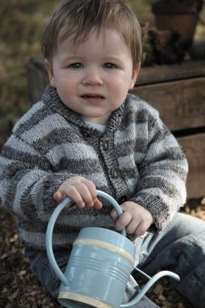 Toddler's Stripey Cardigan - Free Knitted Pattern - (candis)