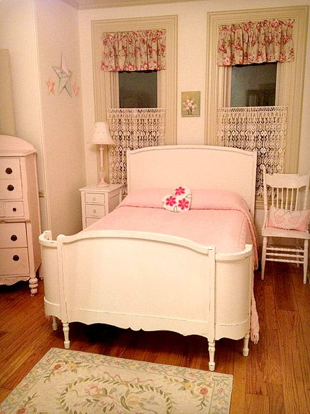 beautiful antique white full size bed alexandra 39 s bedroom ideas pinterest white full size. Black Bedroom Furniture Sets. Home Design Ideas