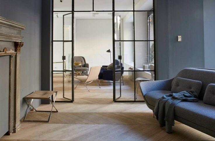 Leveret til Fritz Hansen møbler, til deres showroom i Milano- 19.3.2015