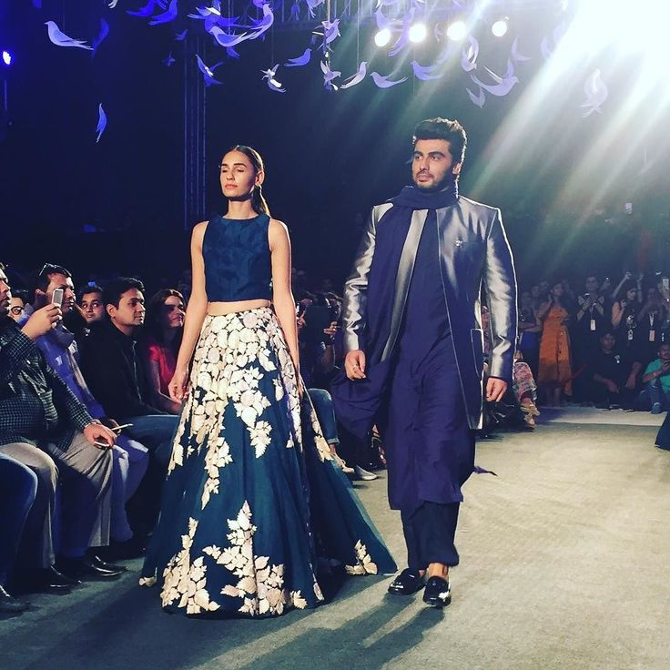 Dapper boy! Arjun Kapoor walked the ramp for Manish Malhotra.   #fashionweek #lakmefashionwk #fashiondesigner #bollywood #arjunkapoor #handsome #dapper #fashiondesigner #actor #menswear #menstyle #mensfashion #indian #indianwear #mumbai #bombay #exclusively #luxury #designerwear by exclusivelyin