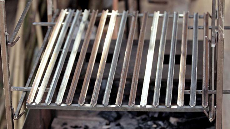 Faça você mesmo: grelha para churrasqueira Veja o passo a passo de como construir o acessório com Rodrigo Hilbert!