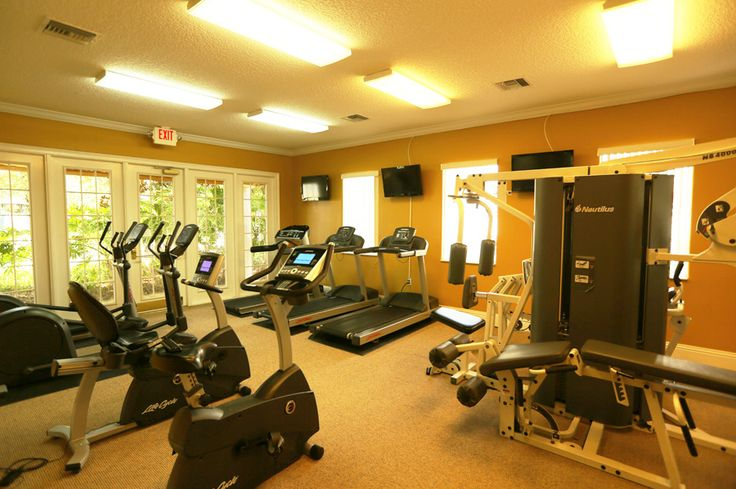 Solana Resort-If you want to burn off some energy there is a fantastic fitness room with all the popular equipment free for Solana guests. For those that like arcade games there is a games room that has both popular modern arcade games along with a more traditional hockey game and pinball machines.