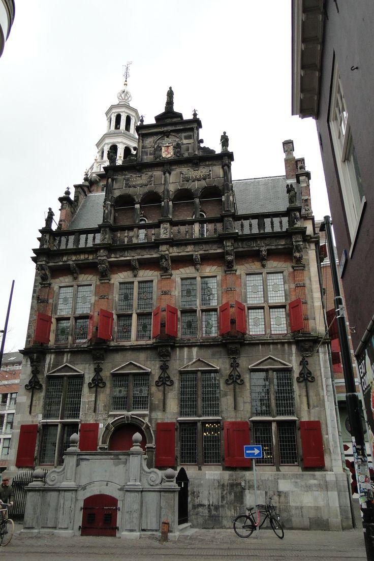 Het Oude Stadhuis in Den Haag is gebouwd in de Renaissancestijl.