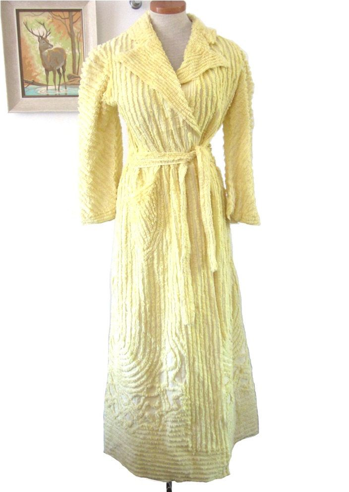 vintage chenille robe for sale vintage 1940s robe sunny yellow chenille robe by vintagecurve. Black Bedroom Furniture Sets. Home Design Ideas
