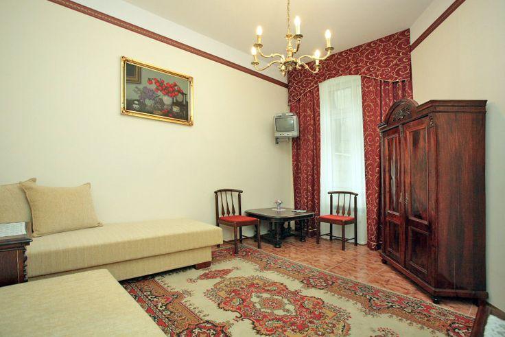 Apartament Miodowy XI zlokalizowany jest w ścisłym centrum Krakowa (5min do Rynku Głównego) http://apartamenty-florian.pl