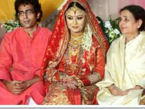 13 Best Bd Actress Chandni And Singer Bappas Wedding Images On Pinterest