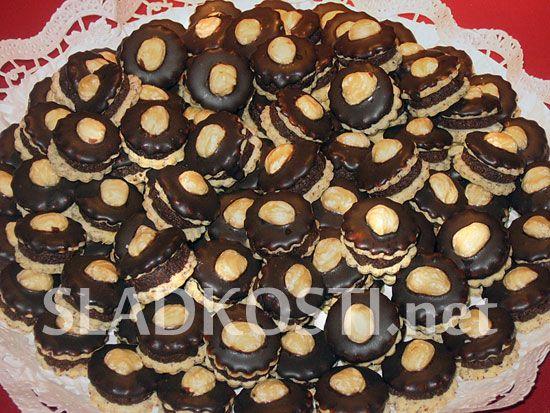 Oříškové dortíčky s krémem dia