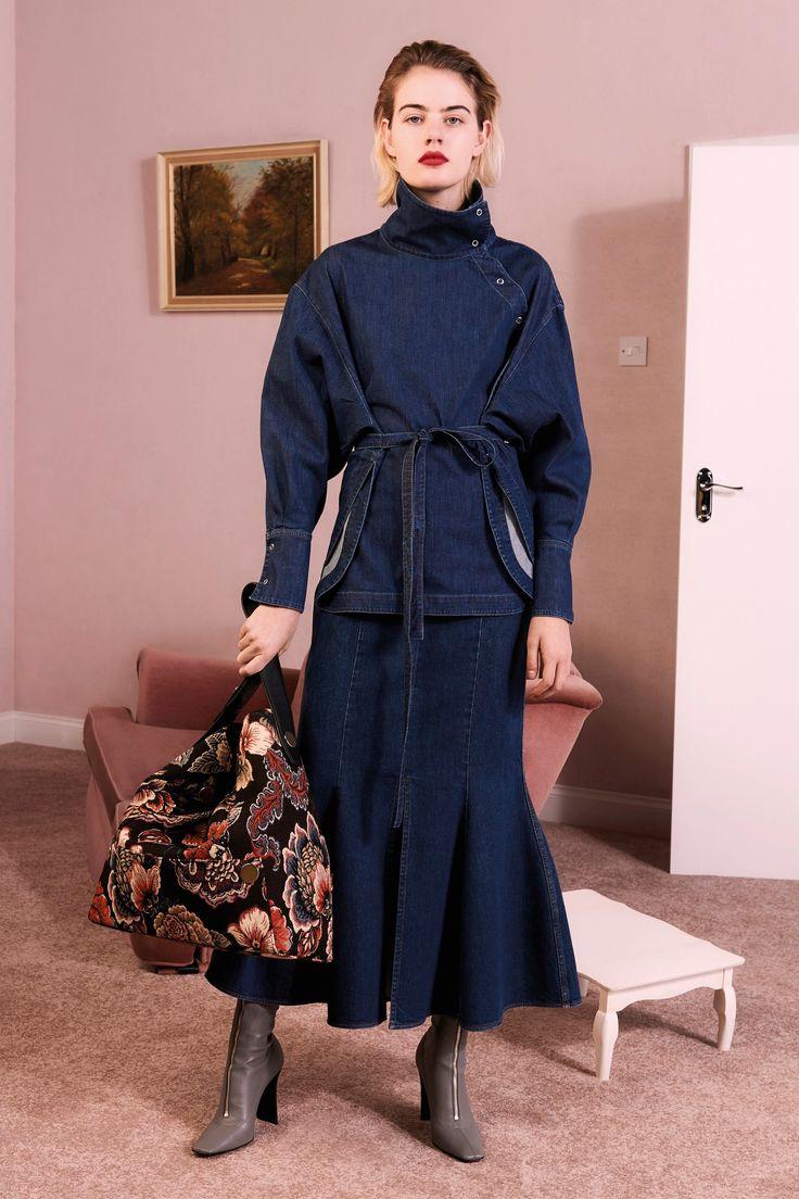 http://www.vogue.com/fashion-shows/pre-fall-2017/stella-mccartney/slideshow/collection