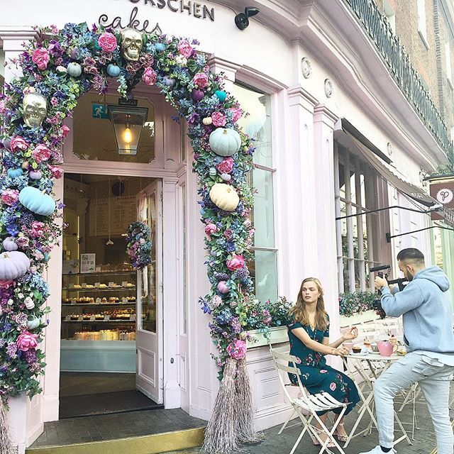 🌿🌸:: We're in a pink paradise this morning shooting our new international fashion video! First stop @peggyporschenofficial for the ultimate afternoon tea! Stay tuned lovelies! 💕  .  .  .  #BillSkinner #peggyporschen #london #filming #fashion #fashionvideos #floral #pink #afternoontea #fashionshoot