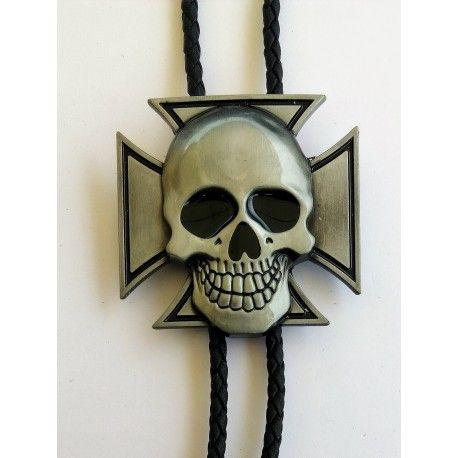 Bolo Tie Modèle Croix de Malte et Tête de Mort