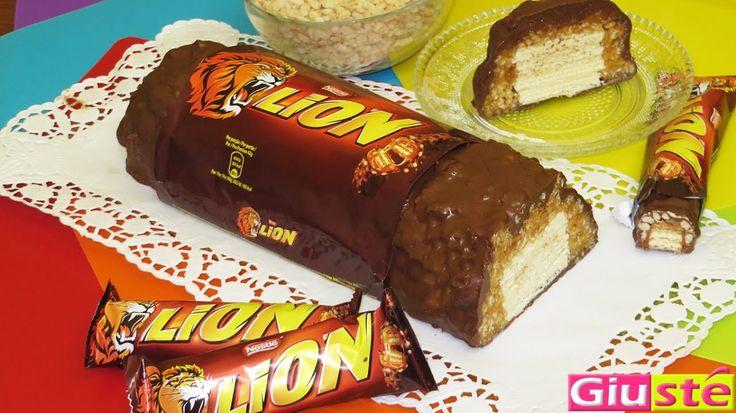 Un'altra splendida creazione della serie snack giganti. Eccovi la ricetta per la torta Lion XXL. Un tripudio di caramello, riso soffiato, wafer alla vaniglia e… ovviamente CIOCCOLATO! R…