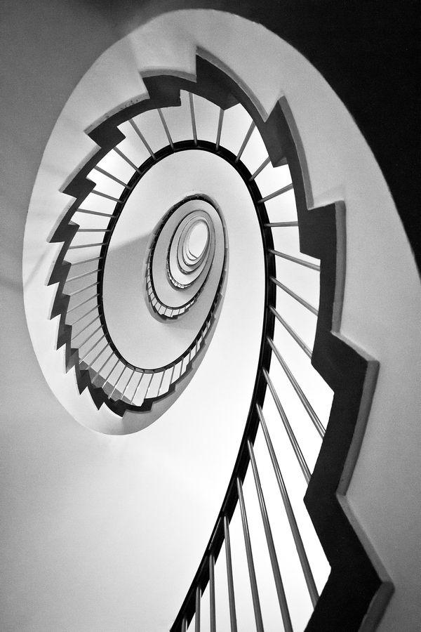 Lujoso Escaleras De Caracol Barcelona Motivo - Ideas para el hogar ...