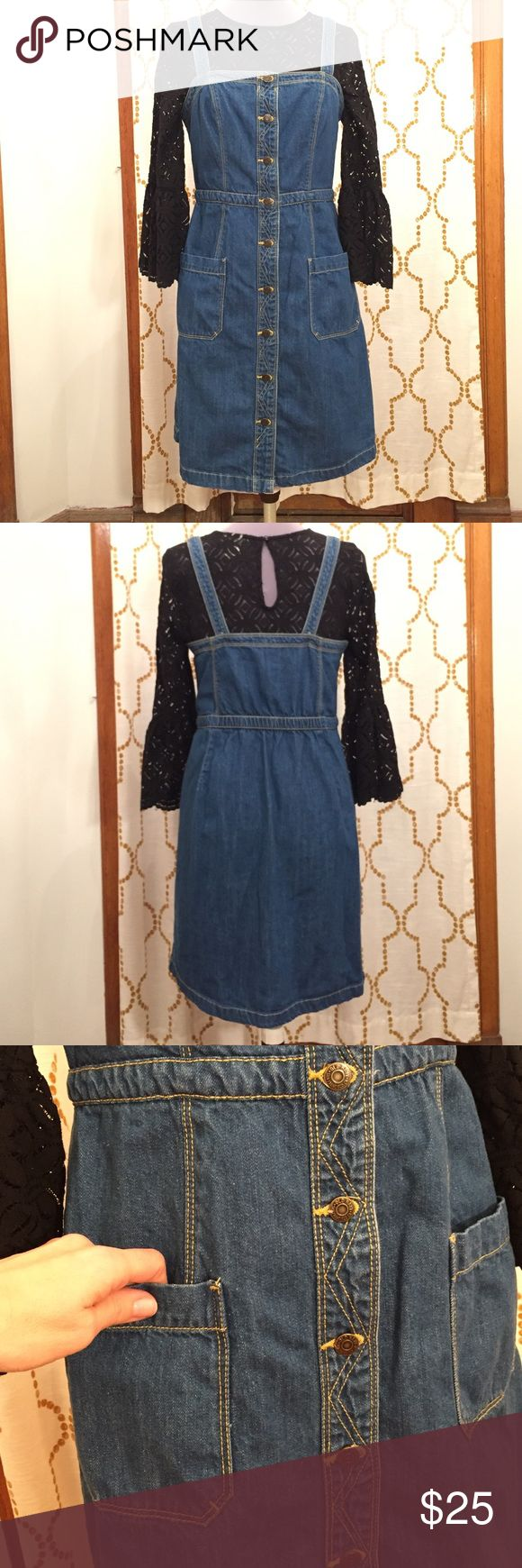 Old Navy denim overalls dress size 6 Old Navy Denim overalls dress. Size 6. Buttons up the front. Straps can adjust one button whole up. Stretch waist with 2 pockets at front. Old Navy Dresses Midi