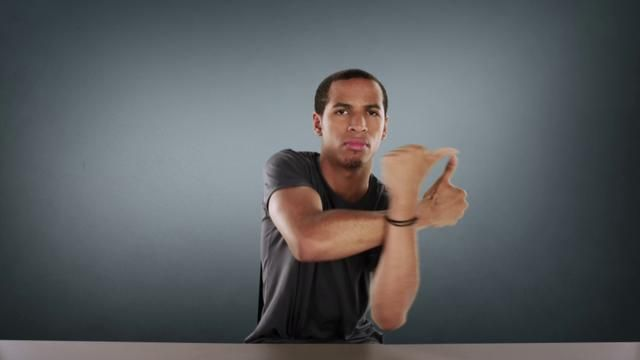 Discover the art of finger Tutting, a new kind of dance performed by JayFunk, from LA.  Commercial video for Samsung Galaxy SII phone.