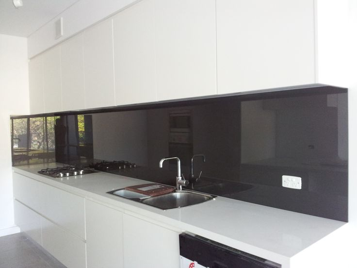 The deeper the colour the higher the reflection on your kitchen splashback. Glass shown by Artform.
