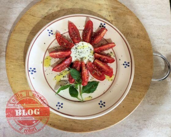 Voglio il mondo a colori - Fiore di mozzarella http://www.voglioilmondoacolori.com/2015/08/fiore-di-mozzarella.html