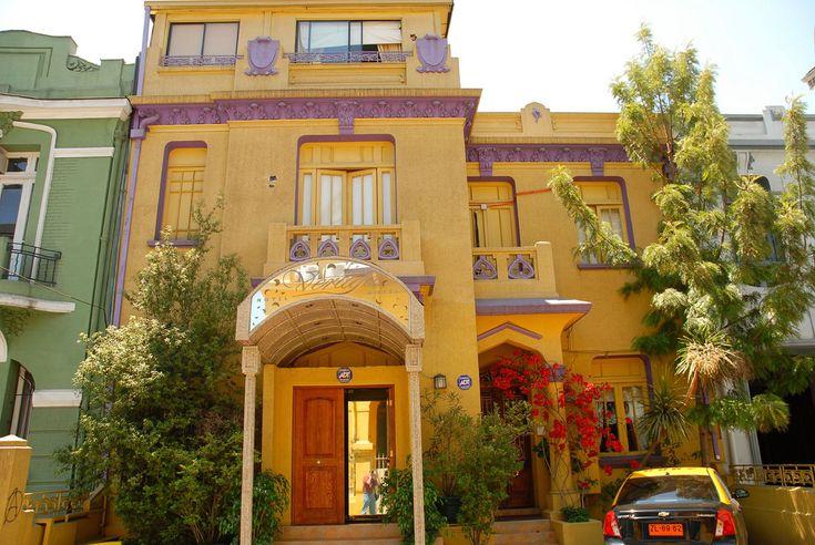 https://flic.kr/p/5HioVV | Hotel | Calle Vina de Mar, near Parque Bustamante, Providencia, Santiago, Chile.