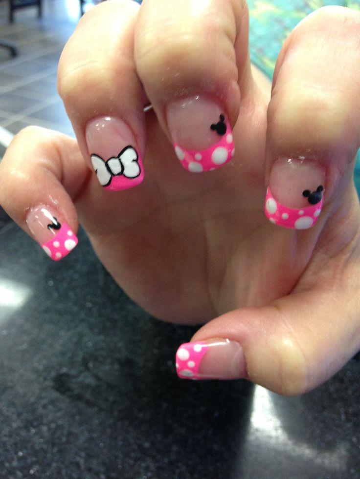 Minnie Mouse nail designs
