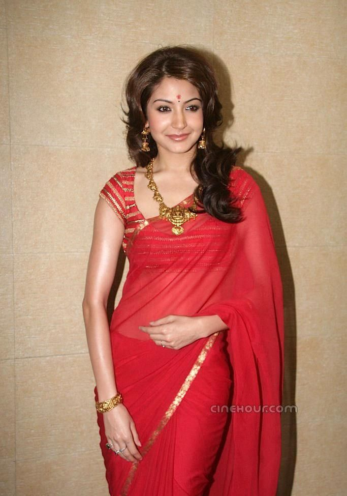 Plain Red Saree and Nice Fitting Contrasting Saree Blouse