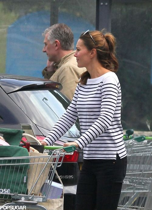 Kate spotted grocery shopping at Waitrose in Anglesey (08/26/13)