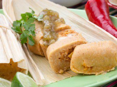 Receta de Tamales de Puerco Estilo Sinaloa | Esta receta es para preparar unos clásicos tamales de puerco estilo Sinaloa. Sírvelos en las fiestas patrias o simplemente un día que quieras disfrutar de un delicioso platillo mexicano.