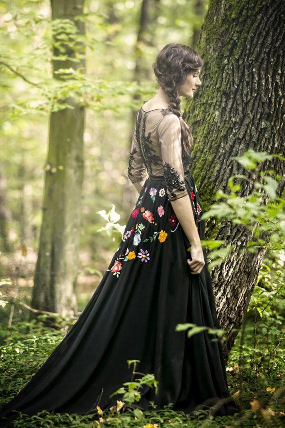 Folk florals meet dreamy, diaphanous lace. #etsyfinds #fashion
