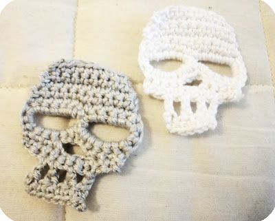 FREE and the best Skull pattern I have seen to date!    Fear and Loathing with Yella: Crochet Skull Pattern