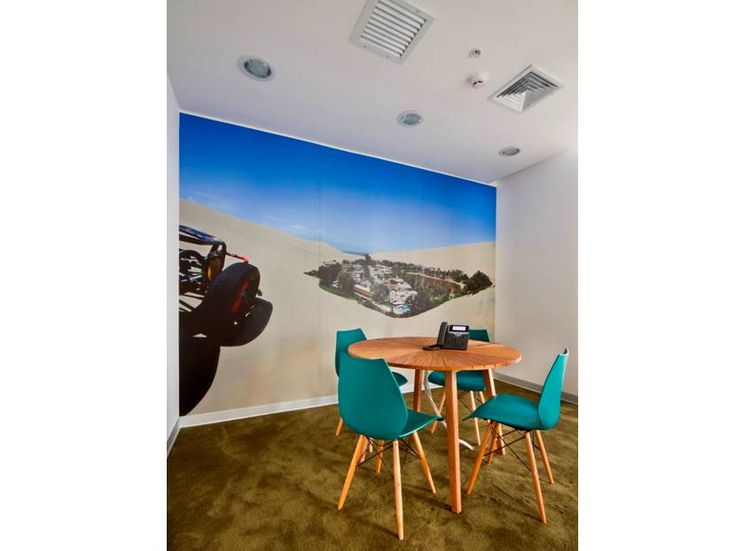 Meeting Table. Booking.com Miraflores, Perú I #Contract #Workplaces