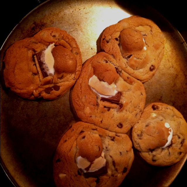 mores chocolate chip cookies | Cakes and such | Pinterest