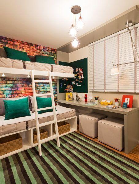 90 opções de decoração de quartos para jovens. Ideia de décor para quarto pequeno e compartilhado. Beliche + verde + área de estudo.