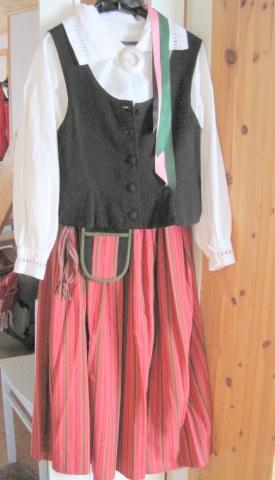 Itä-Hämeen puku (Hartolan puku) Folk costume from East Tavastia (Hartola)