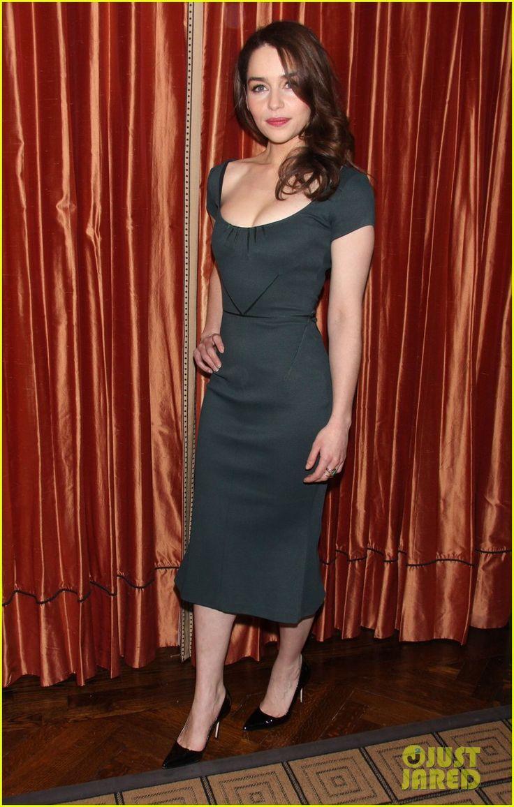 1000 images about emilia clarke on pinterest emilia - Look Of The Day Emilia Clarke S Chic Zac Posen Sheath Dress Thefashionspot