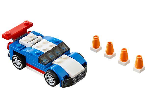 Mit dem supercoolen Blauen Rennwagen aus diesem 3-in-1-Set kannst du deine Fahrkünste unter Beweis stellen!