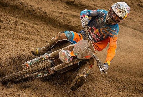 It was indeed a historic moment for Ryan Dungey as he was successful for the seventh season at the Lucas Oil Pro Motocross Championship Series. It was during the ninth round that Dungey, astride an SXF450 received an overall win at Moto X 338 National in Southwick, Massachusetts.