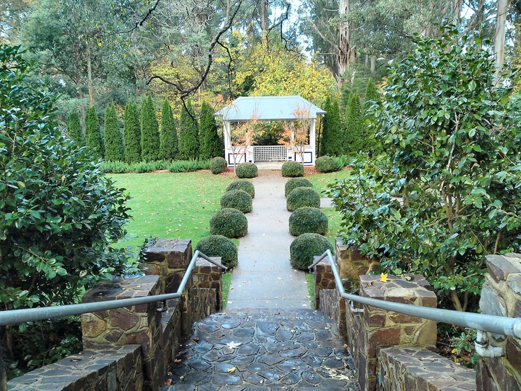 I spent Mothers Day with my lovely Mum, at the beautiful Marybrooke mansion at Sherbrooke, in the Dandenongs a couple of weeks ago. I took some pictures of the grounds and of the house itself. Enjoy! :)