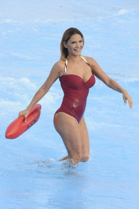 #Swimsuit Ivonne Reyes in Swimsuit at the the Warner Park in Madrid 06/23/2017   Celebrity Uncensored! Read more: http://celxxx.com/2017/06/ivonne-reyes-in-swimsuit-at-the-the-warner-park-in-madrid-06232017/