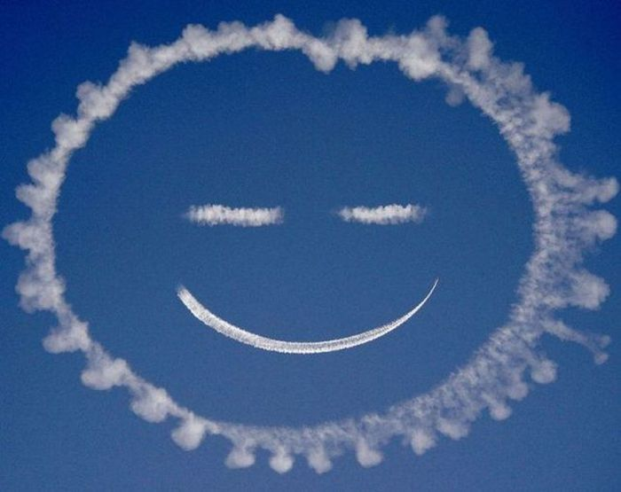 Happy Face Contrail - Aviation Videos & Pictures