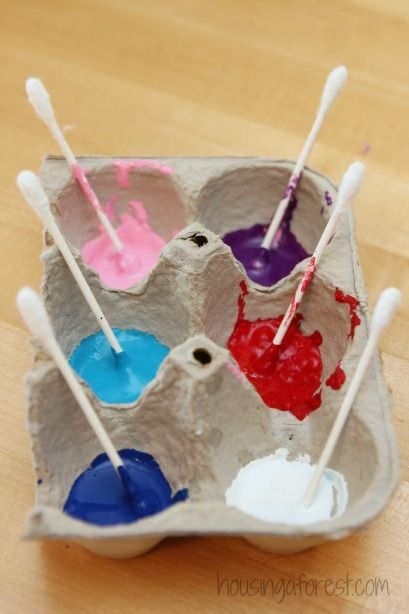 Recycle your egg cartons by using them to hold paint while your kiddos are crafting.