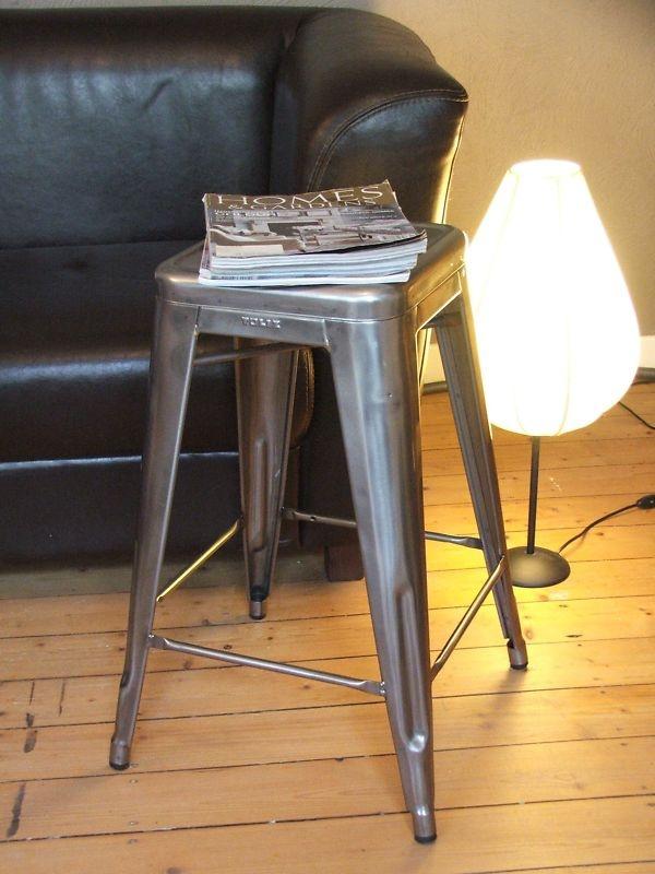 tolix original hocker tabouret h65 brut verni brillant aus. Black Bedroom Furniture Sets. Home Design Ideas