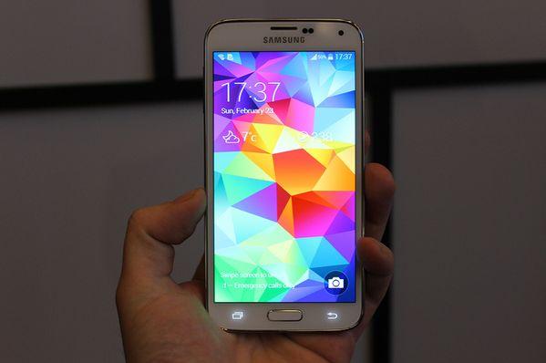 Samsung Galaxy S5′in Görüntüleri Ortaya Çıktı