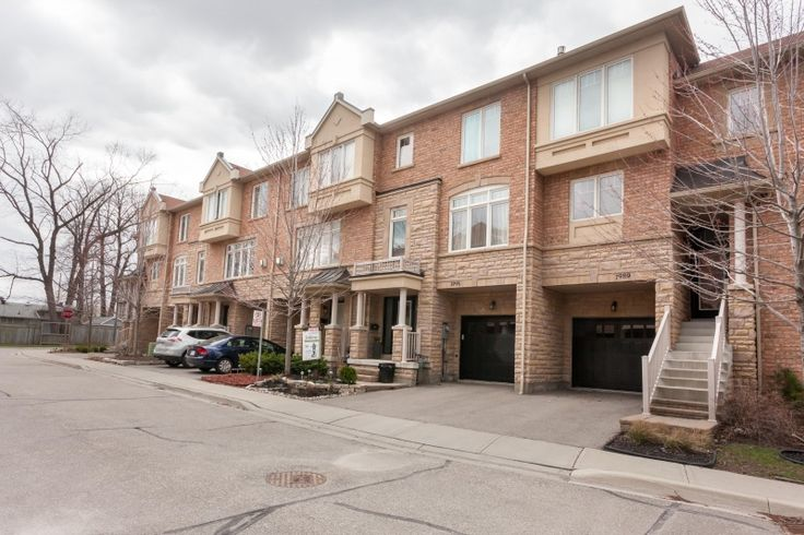 SOLD - 1991 Oana Drive | Toronto - Mississauga - Showroom quality 3 storey Town Home is absolute perfection! Located on a quiet cul-de-sac where kids can safely play street hockey with their siblings and friends. Enjoy living a low-maintenance lifestyle with exceptional space for family living and entertaining. #Toronto #Canada #listing #realestate #house #condo #forsale #renting