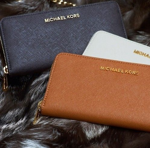 Want it. It can save 50% now on the site. Michael Kors Saffiano Continental Large Black Wallets! #KORSSTYLE