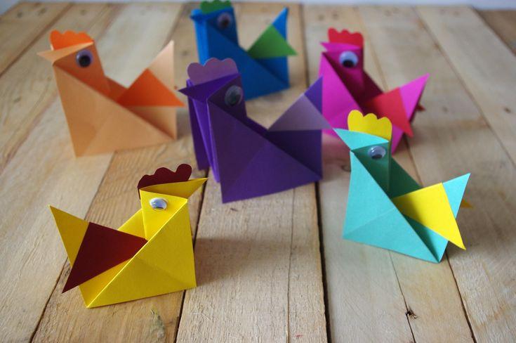 Velikonoční slepičky z papíru - Tyto velikonoční slepičky jsou rychlé a jednoduché. Tvoříme je ze čtverců barevného papíru. Ten pak skládáme podle postupu na fotografiích.  ( DIY, Hobby, Crafts, Homemade, Handmade, Creative, Ideas, Handy hands)