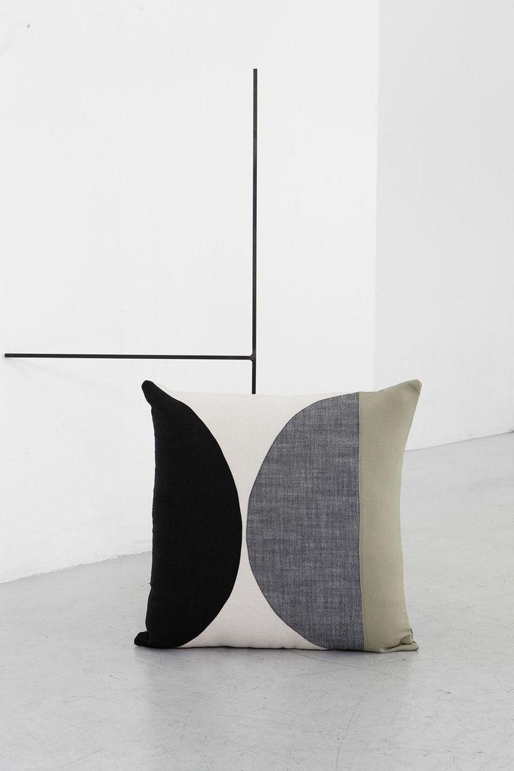STUDIO TESTO - EDIZIONE ZERO — Design Pillow Case 4