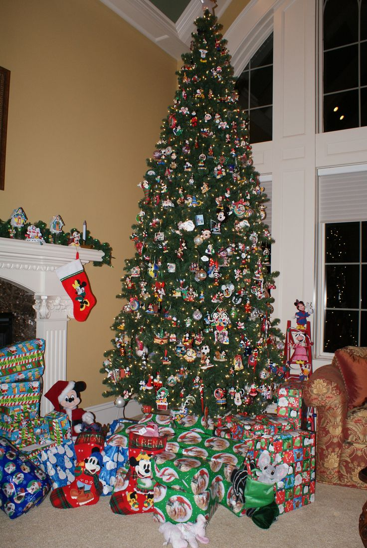 Disney tree ornaments - My Mickey Mouse Christmas Tree