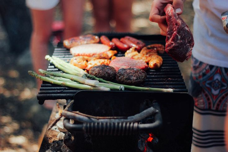 Make sure there isn't a burnt sausage in sight by reading our top ten #barbecue #tips here: