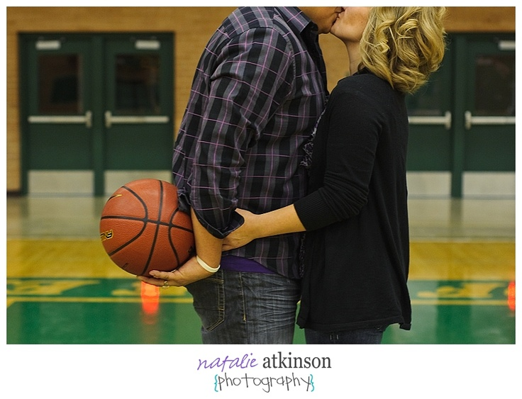 basketball engagement photo (for if i marry a bball player/lover! haha)