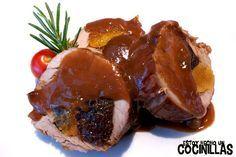 Cómo preparar un solomillo de cerdo relleno de ciruelas y orejones. Receta fácil paso a paso. Acompañado con una reducción de su salsa. Receta para Navidad.